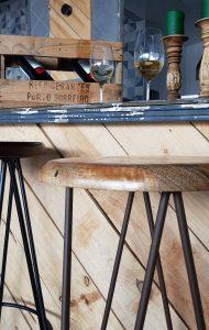 GSMetalista muestra un taburete fabricado en sus talleres