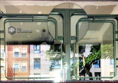 Puertas, ventanas y escaparates ejecutados por GS Metalistas